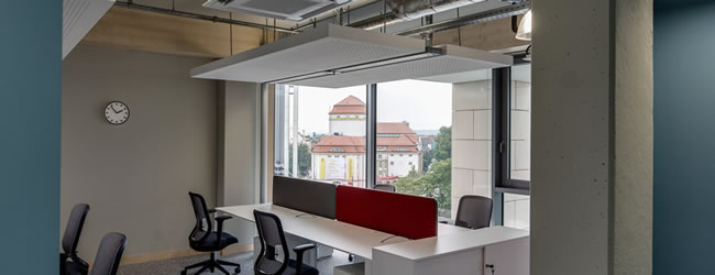 Light Opne-Plan Space with a high-tech Industrial Feel